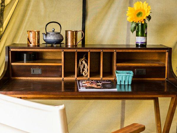 Glamour Camp Desk