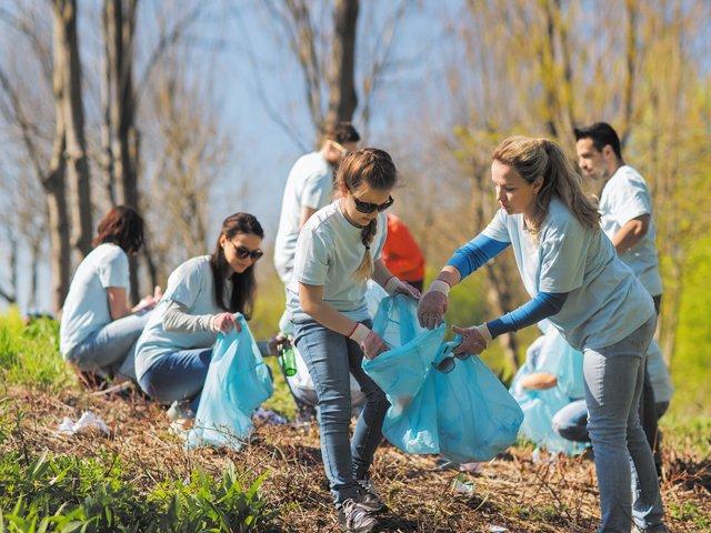Volunteering-outside.jpg