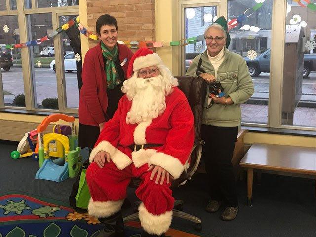Lancaster-Library-Santa-is-Coming.jpg