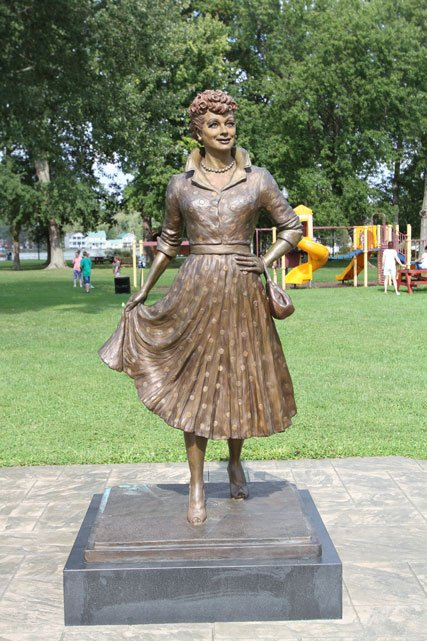 Lucy-Statue.jpg