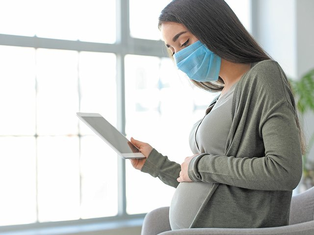 Pregnant-Mom-with-Mask.jpg
