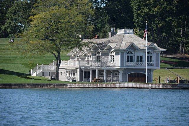 boathouse3.jpg