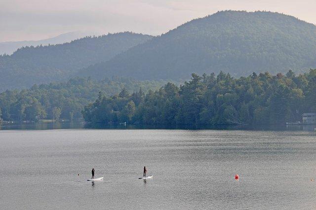 paddleboardingmirrorlake.jpg