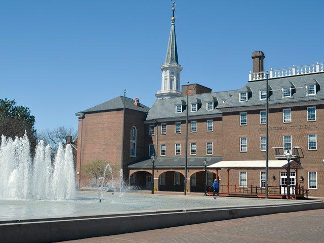 Market-Square-&-City-Hall.jpg